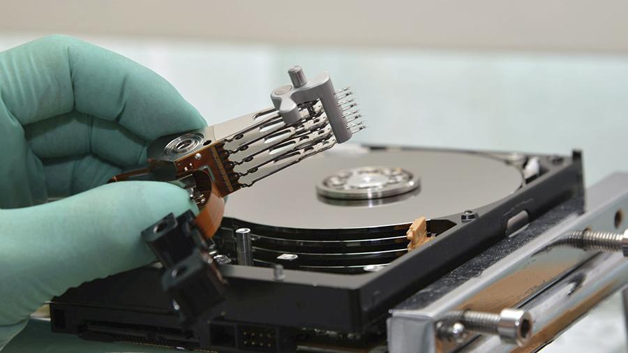 Hard disk desfăcut, recuperare date