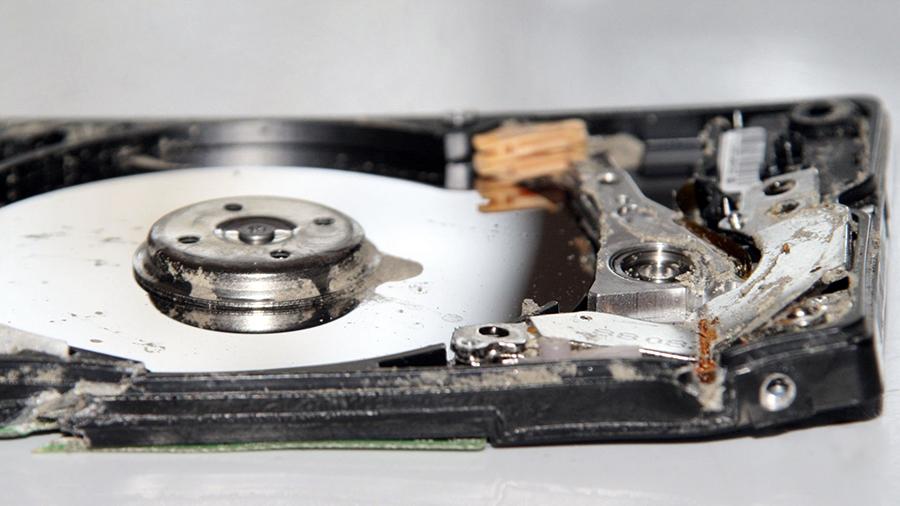 Hard disk distrus, recuperare date.