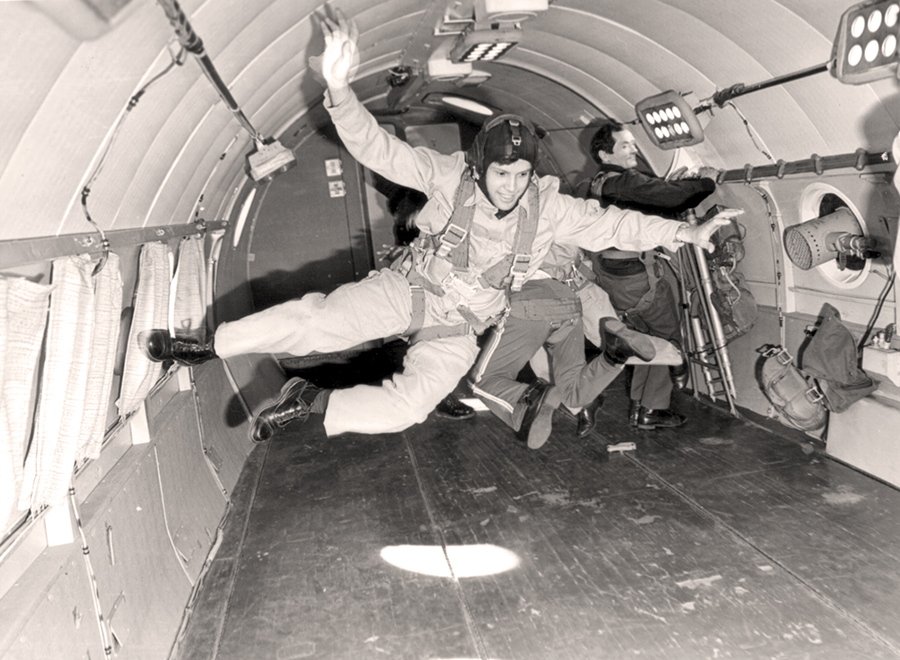 Mindcraftstories_Dumitru Prunariu-antrenament imponderabilitate-avion TU 104-1979_05_Arhiva personala