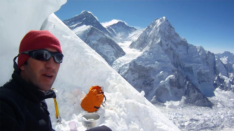 Mindcraftstories_Expeditie Himalaya_Avalansa_Record_Urcare fara oxigen_02_Horia Colibasanu - Arhiva Personala