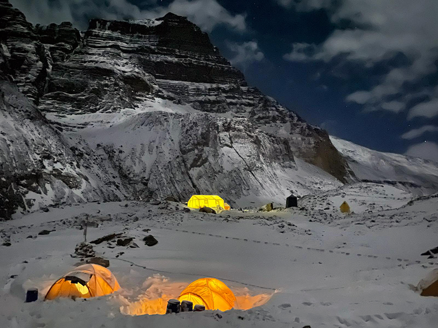 Mindcraftstories_Expeditie Himalaya_Avalansa_Record_Urcare fara oxigen_05_Horia Colibasanu - Arhiva Personala