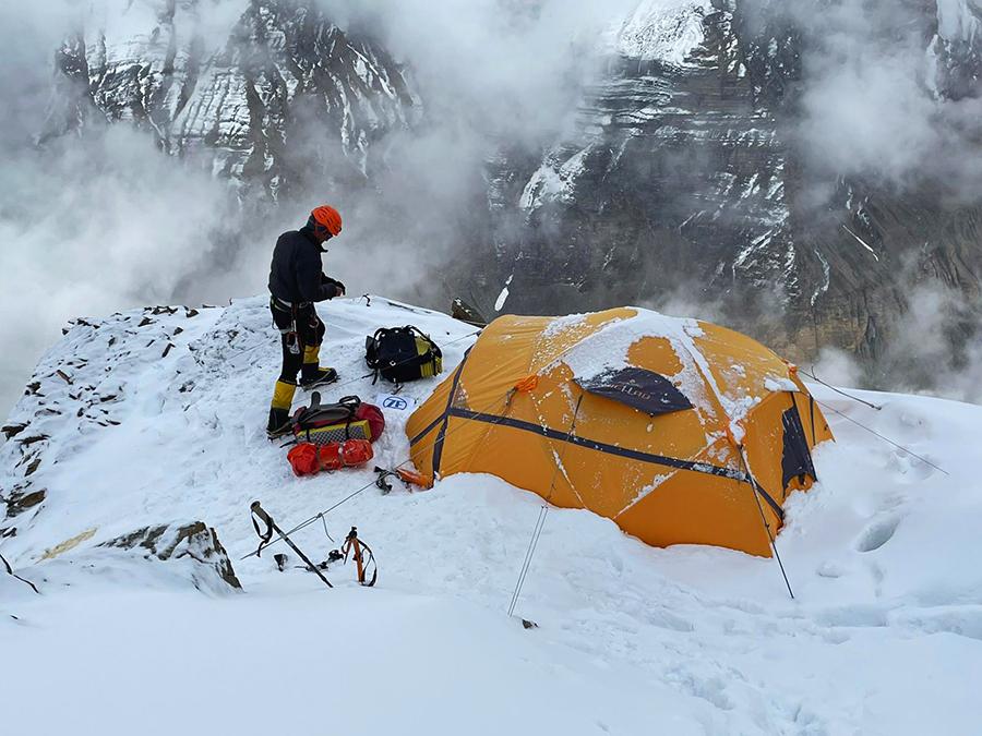 Mindcraftstories_Expeditie Himalaya_Avalansa_Record_Urcare fara oxigen_08_Horia Colibasanu - Arhiva Personala