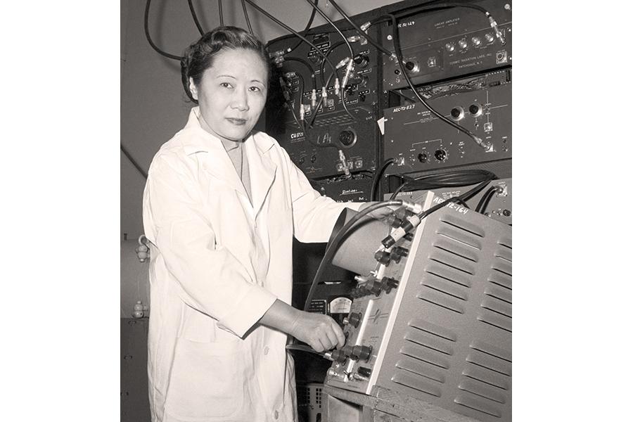 https://mindcraftstories.ro/images/2021/10/Mindcraftstories_Femei-in-stiinta-Femei-Nobel-Premiul-Nobel-Sexism_Chien-Shiung-Wu_Bettmann-Archive-via-Getty-Images.jpg