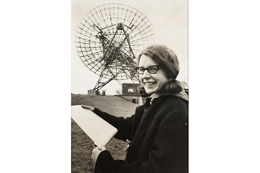 https://mindcraftstories.ro/images/2021/10/Mindcraftstories_Femei-in-stiinta-Femei-Nobel-Premiul-Nobel-Sexism_Jocelyn-Bell-Burnell_Daily-Herald-Archive-SSPL-via-Getty-Images.jpg