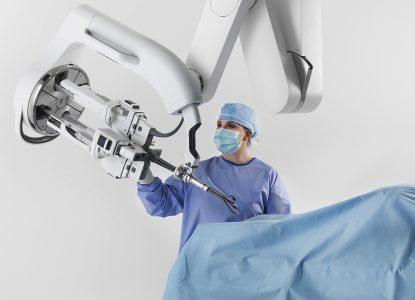Cum sunt folosiți roboții în medicină?