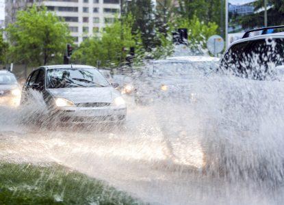Ne prind ploile: schimbările climatice cresc riscul de ploi extreme și inundații urbane