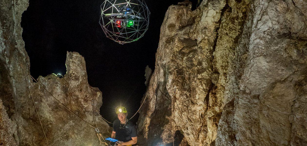 Explorarea spațială se învață (și) în peșteri